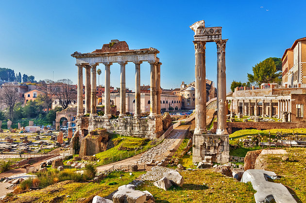 italy-rome-roman-forum-overview