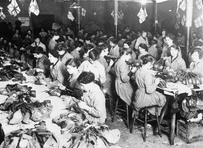 Gas_Mask_Production_during_the_First_World_War_Q28586