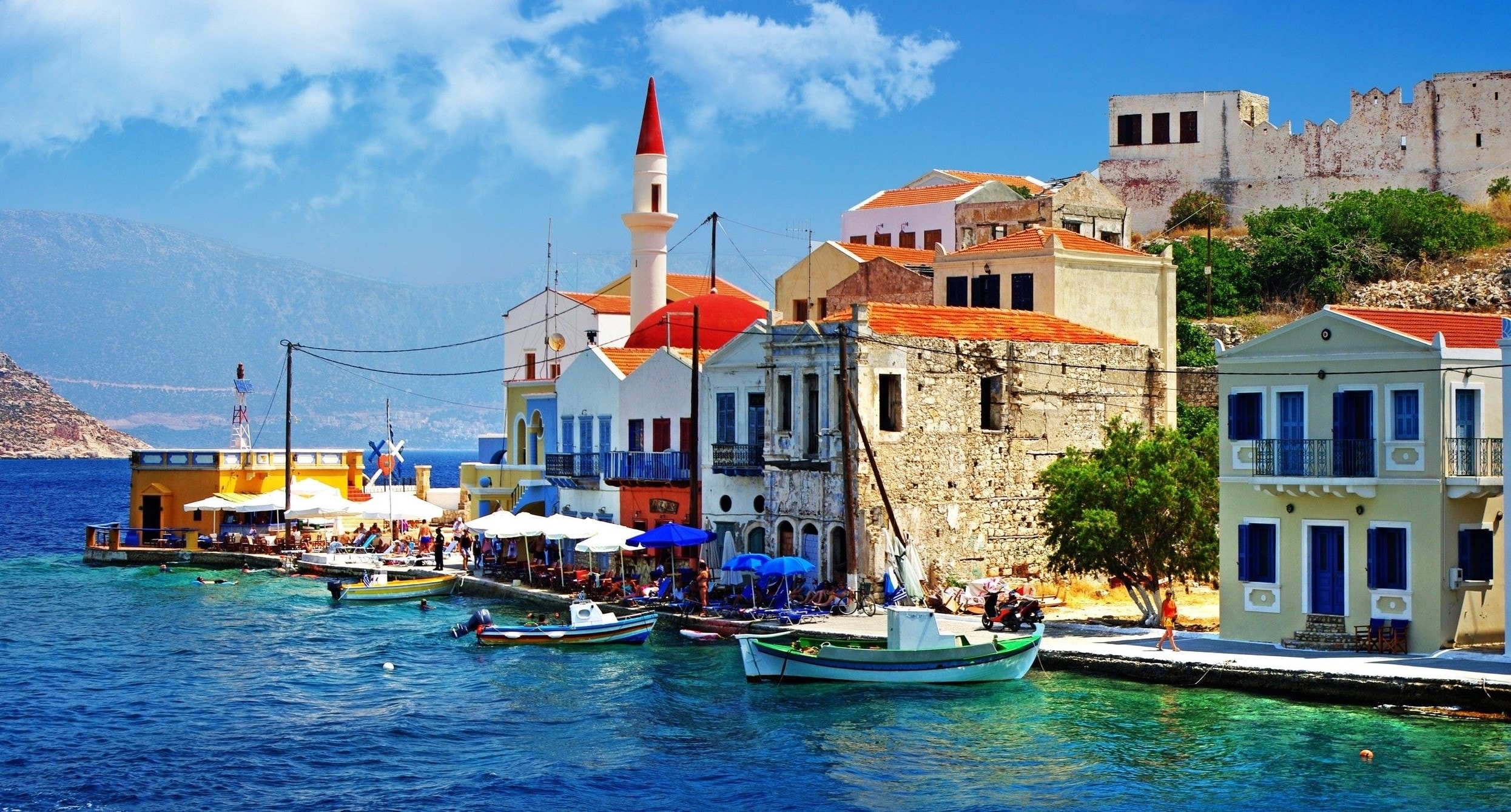 seaside-town,-greece-179979-min