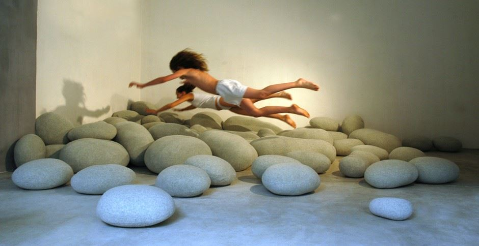 stone-shaped-pillows